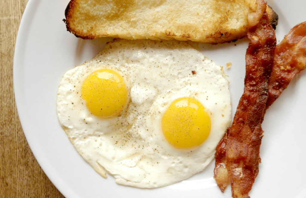 Cooking over easy fried eggs is SO simple!