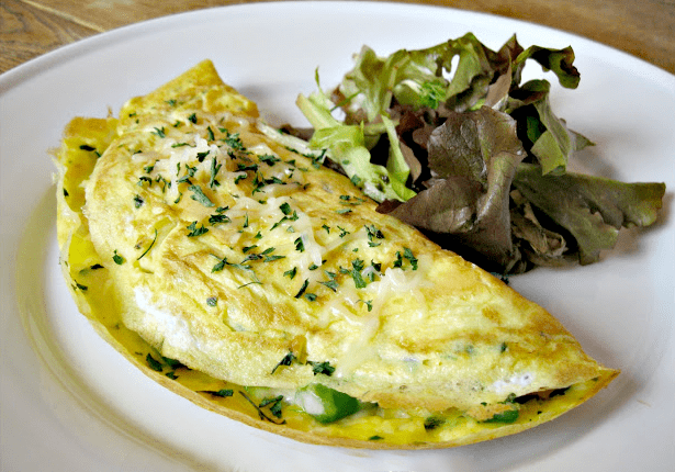 These chicken and asparagus omelettes are so easy to make!