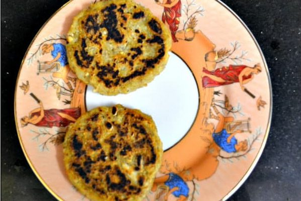 These yummy plantain and potato patties are so easy to cook, tasty and nutritious.