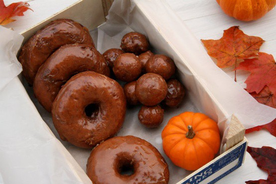 November 5 is National Doughnut Day, food holidays, november food holidays, doughnut recipes, donut recipes