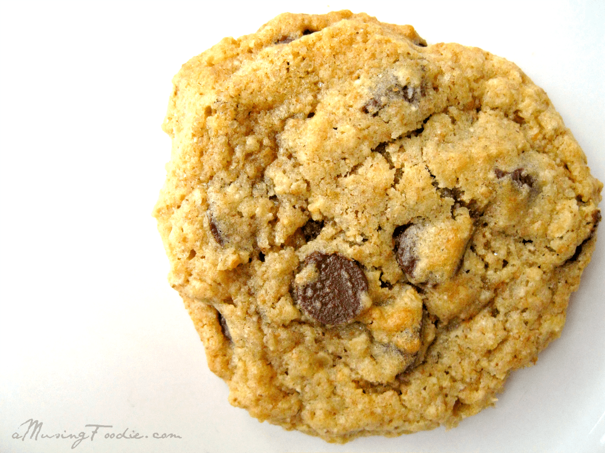 Oatmeal Chocolate Chip Cookies | (a)Musing Foodie