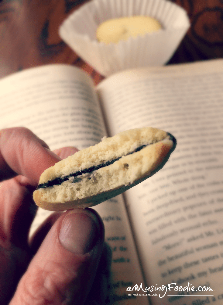 milano-cookies-reading