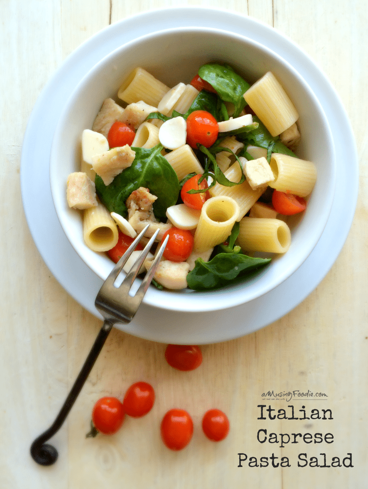 Easy Italian Caprese Pasta Salad — so tasty and it travels well!