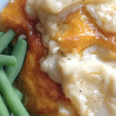 These creamy and cheesy scalloped potatoes are ooey-gooey and oh so good!