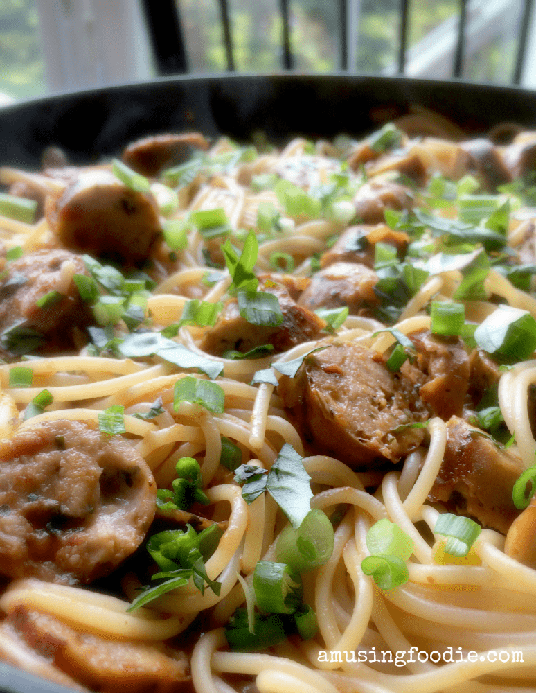 Weeknight Spaghetti With Chicken Sausage: perfect quick dinner after a busy workday!