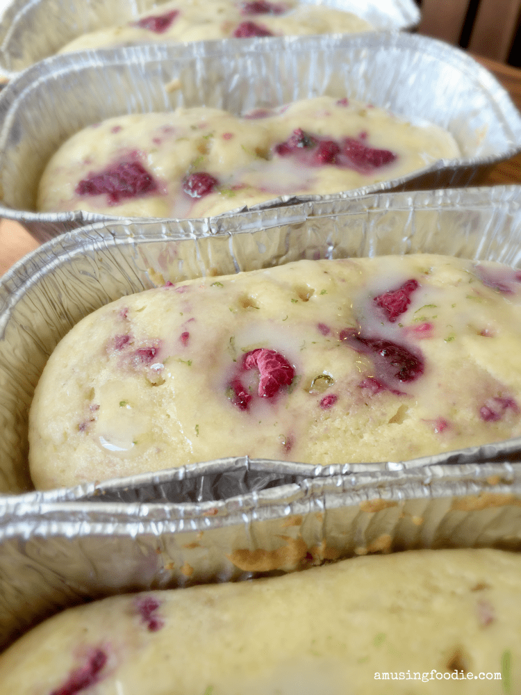 Raspberry cakes are a simple homemade dessert!
