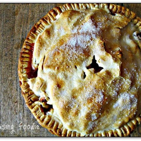 Rustic Cardamom Vanilla Apple Pie