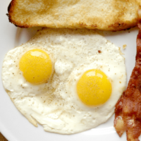 Easy Fried Eggs!